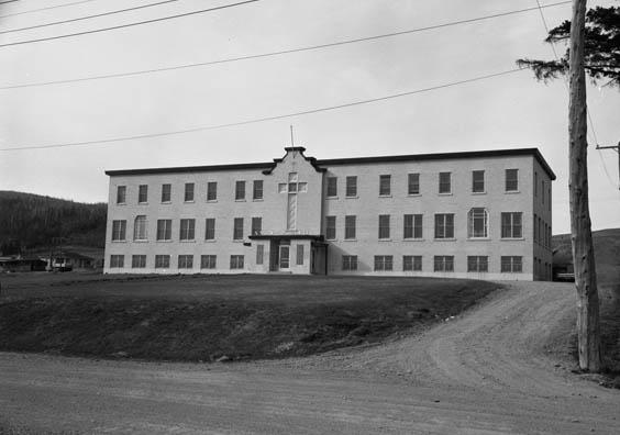 Home Notre Foyer Marcinelle : Notre dame des sept douleurs edmundston est rectory and hall
